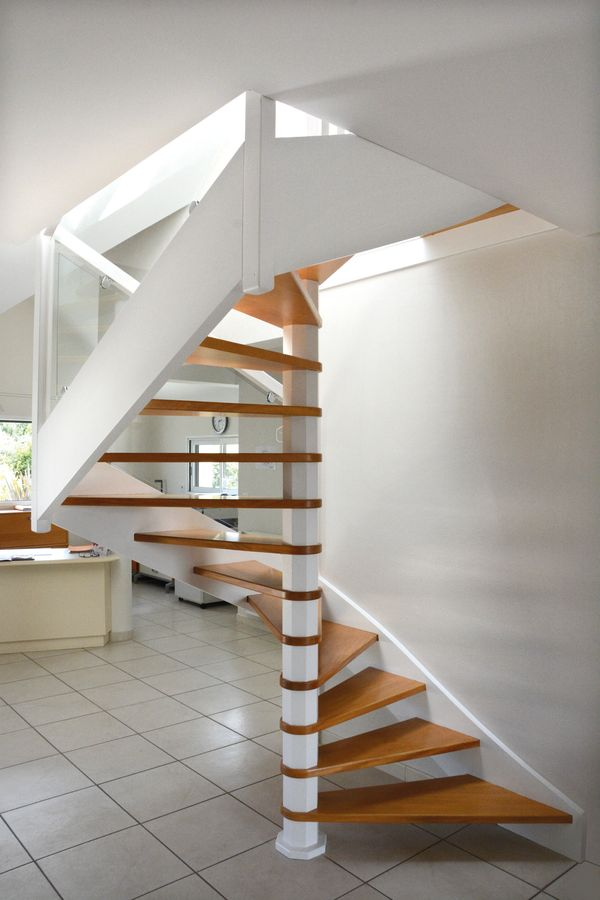 nautile escaliers raux gicquel. Black Bedroom Furniture Sets. Home Design Ideas